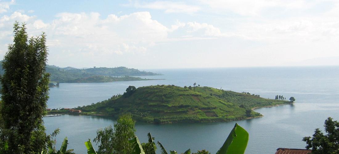 lake-kivu-scenery