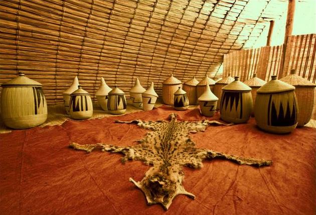 rwanda hut 1